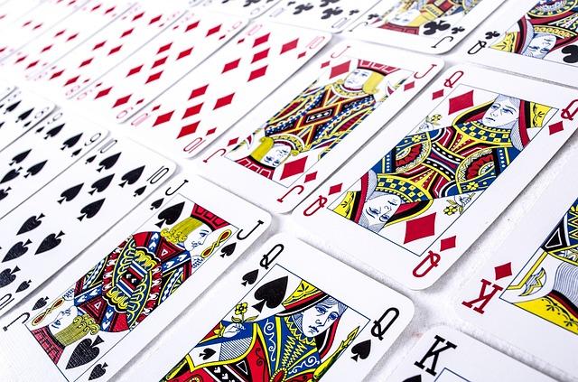 Učenje vedeževanja z igralnimi kartami dan 001