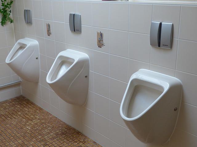 Samo za moške: Vedeževanje s pomočjo urina